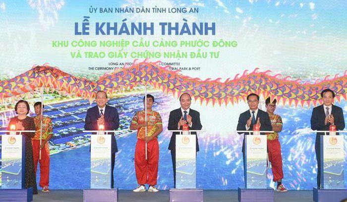 Thủ tướng Nguyễn Xuân Phúc dự lễ khánh thành công trình đón làn sóng đầu tư tại Long An