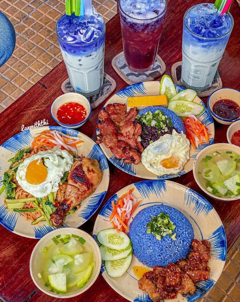 Những món cơm lạ hút khách ở TP.HCM