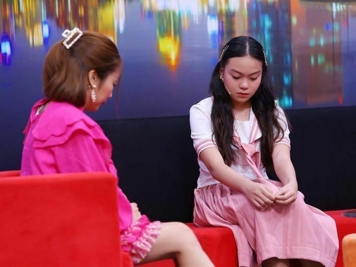 Ốc Thanh Vân đau lòng trước bé gái được mẹ chở đi bắt tại trận ba ngoại tình