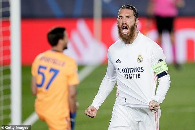 Sergio Ramos không hài lòng với hành động bất ngờ của HLV Zidane