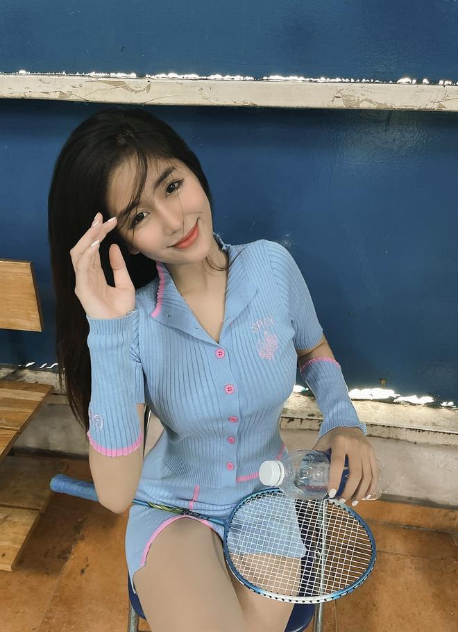 """Bị chê có cái túi hiệu mà khoe hoài, """"nữ thần học đường Sài Gòn"""" chứng minh mình đẹp nhưng không hiền"""