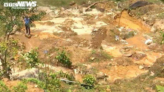 Quân đội nổ mìn đánh sập gần 30 hầm vàng trái phép ở Đà Nẵng