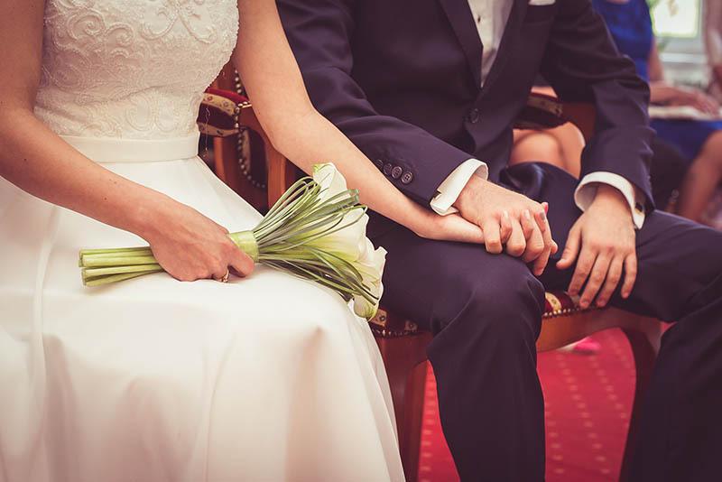 Lý do khiến của cô gái xấu xí cưới được anh chồng điển trai