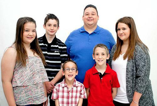 """Bà mẹ bỏ 5 con đi theo """"tiếng gọi tình yêu"""", chồng đau đớn khi biết danh tính tình địch"""
