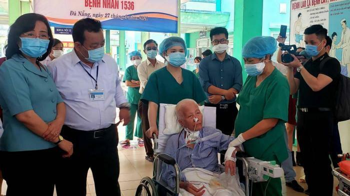 Kỳ diệu bệnh nhân Covid-19 từng tiên lượng tử vong được xuất viện