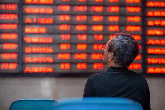 """""""Cuộc viễn chinh"""" của Trung Quốc để chống lại rủi ro của thị trường tài chính"""