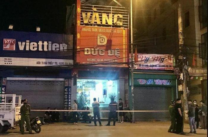 Truy tìm đối tượng ném chất nổ tự chế vào tiệm vàng ở Hải Phòng