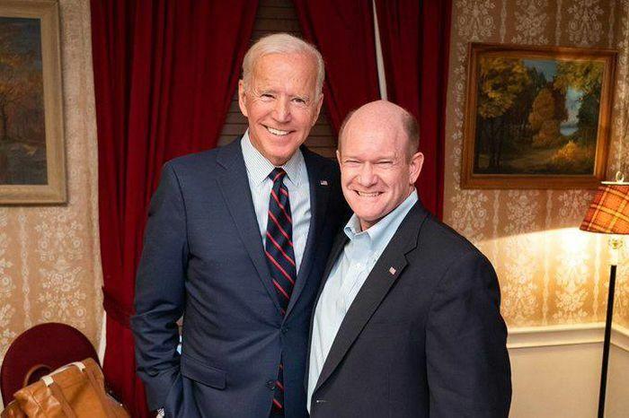 Đằng sau bức ảnh trên radar máy bay của bạn thân ông Biden