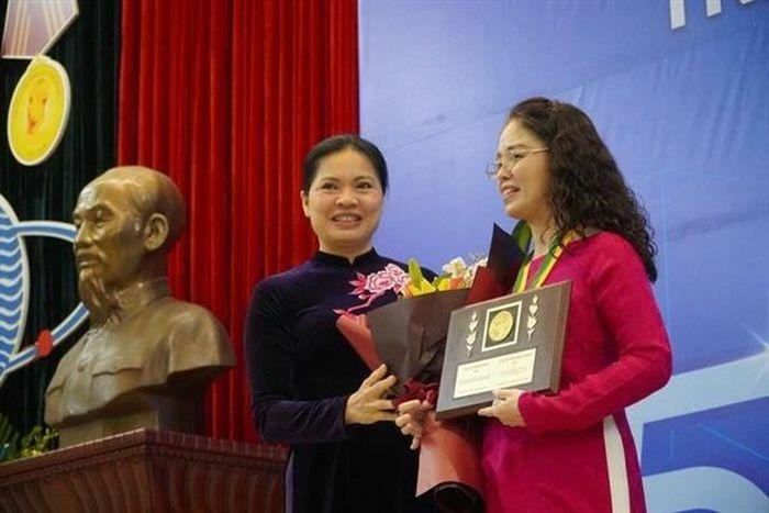Nữ giảng viên ĐH Y Hà Nội được trao giải thưởng Kovalevskaia
