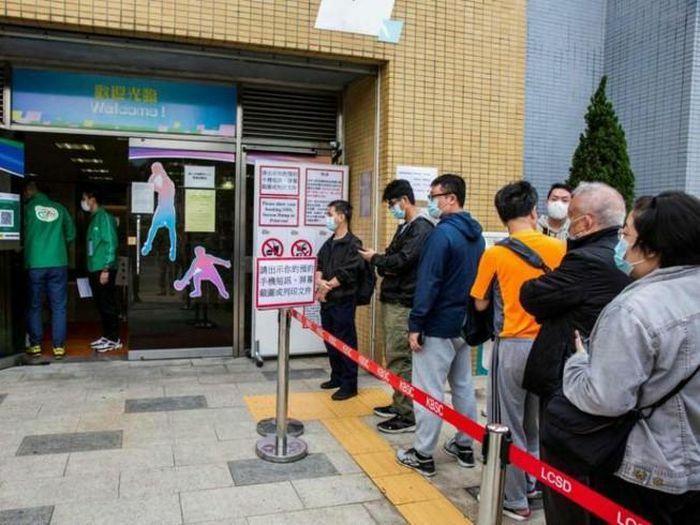 Hong Kong điều tra vụ người chết sau khi tiêm vaccine COVID-19
