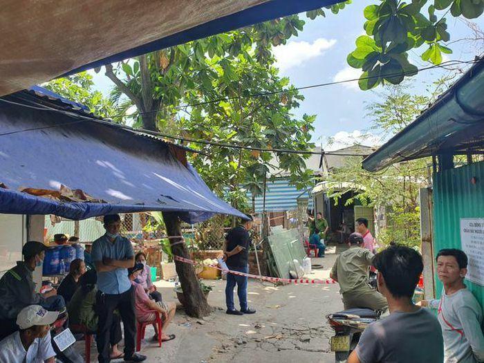 TP HCM: Cháy kèm nổ lớn trong hẻm sâu, 3 người tử vong, công an đang phong tỏa hiện trường