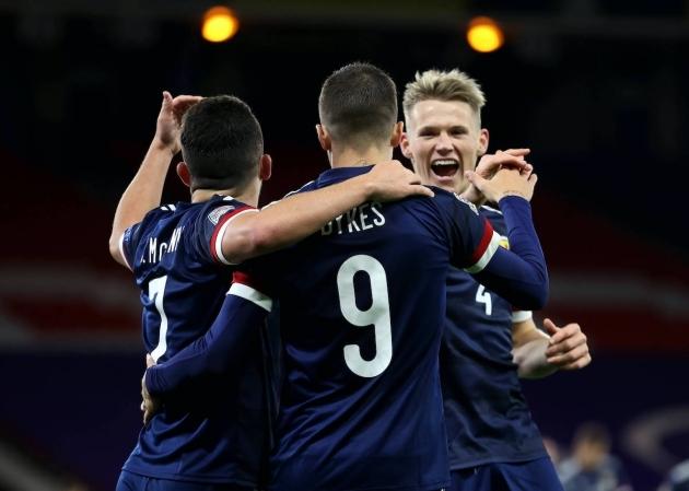"""""""Quá thú tương lai"""" hạ quyết tâm với Man Utd, Solskjaer mừng thầm"""
