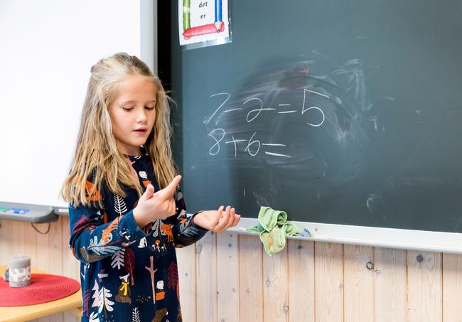 """Suốt 7 năm đi học không bị chấm điểm và những điều thú vị về nền giáo dục của """"quốc gia hạnh phúc"""" Na Uy"""