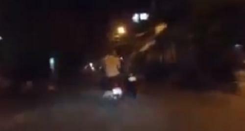 Cảnh sát truy đuổi, nổ súng khống chế 2 nghi can trộm xe như phim hành động