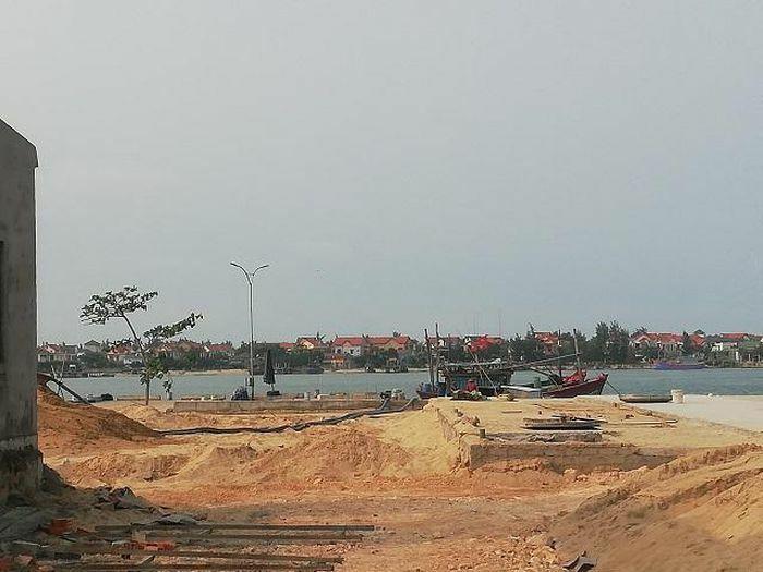 Quảng Bình: Lợi dụng khu dịch vụ hậu cần nghề cá để hút cát trái phép