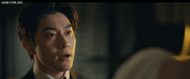 Song Joong Ki lại gặp biến to suýt mất tòa nhà ở Vincenzo tập 5, đánh nhau rốp rẻng vẫn không quên tạo nét cùng siêu xe