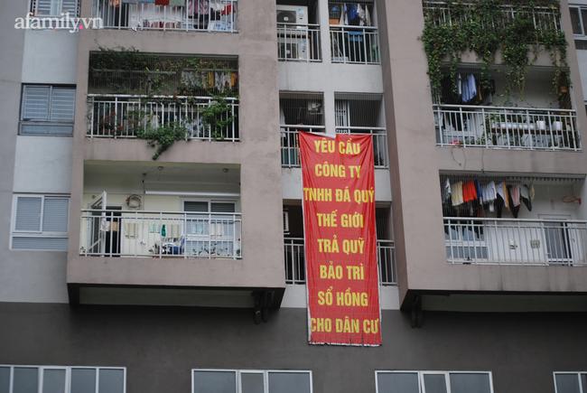 """Hà Nội: Chủ đầu tư nợ thuế """"khủng"""", cư dân """"mắc kẹt"""" vì muốn bán nhà cũng không được"""