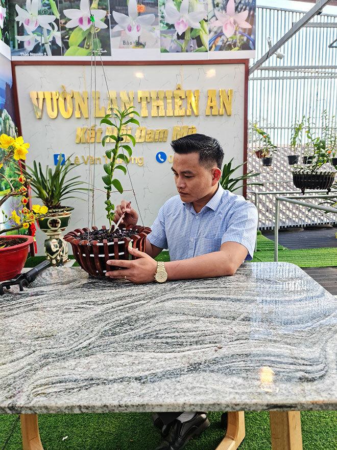 Lê Văn Thường và 'ván cược' với hoa lan của chàng công chức Đắk Nông