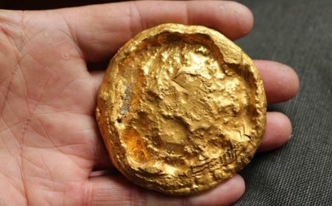Lão nông đào được 60kg vàng dưới giếng, chuyên gia nhận định: Đào sâu hơn nữa sẽ thấy 200 tấn vàng
