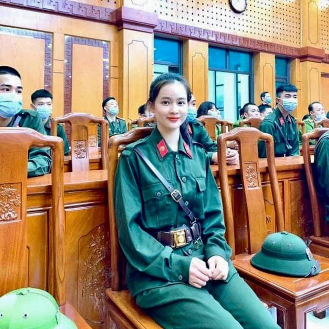 Nữ sinh Sư phạm lên đường nhập ngũ, trở thành tân binh hot nhất Yên Bái, khiến cộng đồng mạng trầm trồ