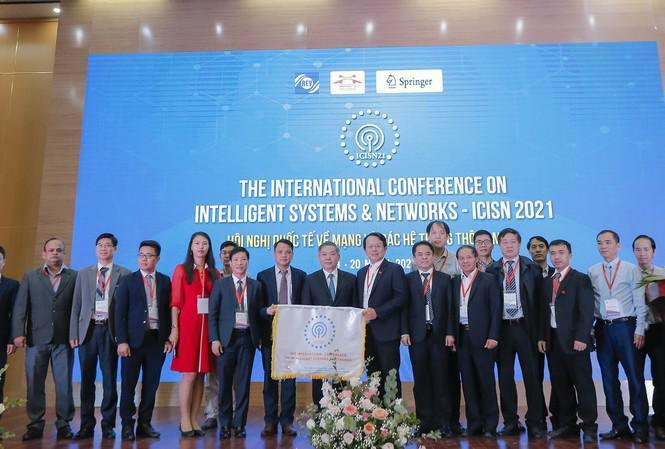 Trường ĐH tổ chức hội nghị quốc tế đầu tiên về các hệ thống và mạng thông minh