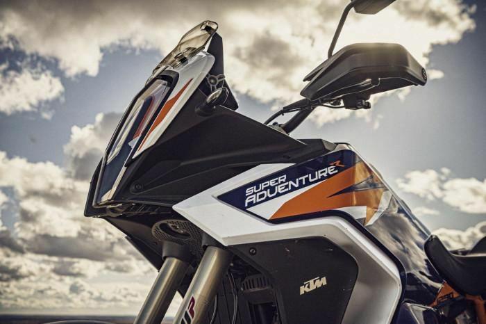 Mô tô mạo hiểm KTM 1290 Super Adventure R 2021 ra mắt