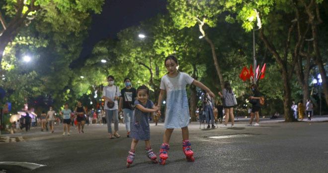 Từ ngày 12/3, phố đi bộ trên địa bàn quận Hoàn Kiếm hoạt động trở lại