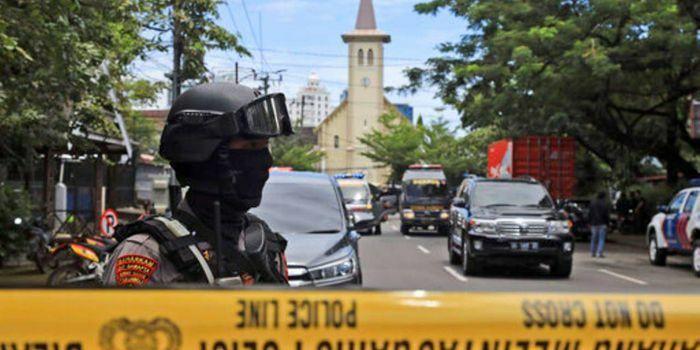Đánh bom tự sát bên ngoài nhà thờ ở Indonesia