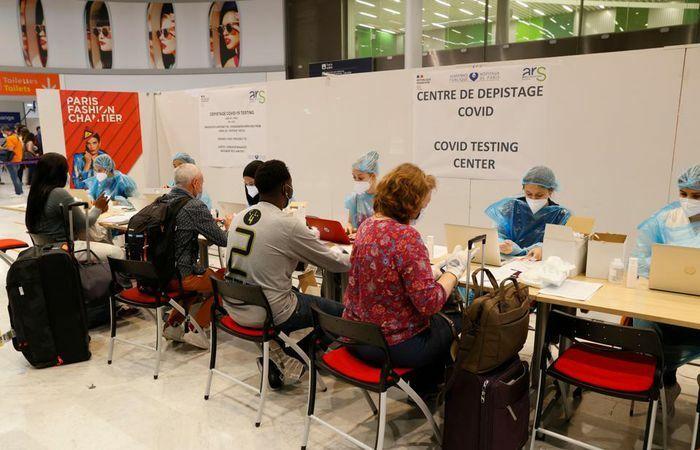 EU lên kế hoạch cho phép người tiêm vaccine COVID-19 từ Nga nhập cảnh