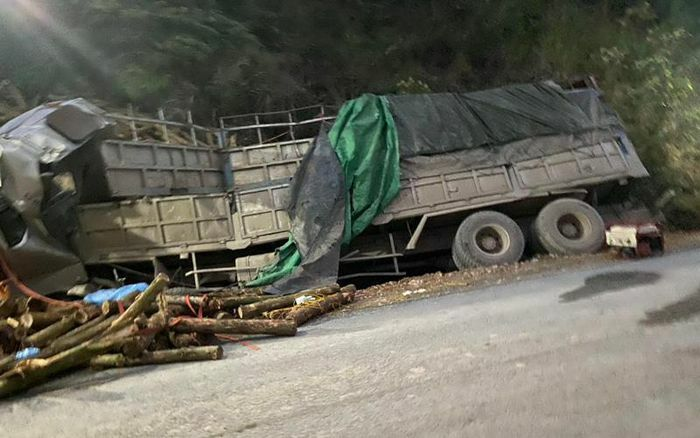 Tai nạn giao thông đặc biệt nghiêm trọng làm bảy người chết