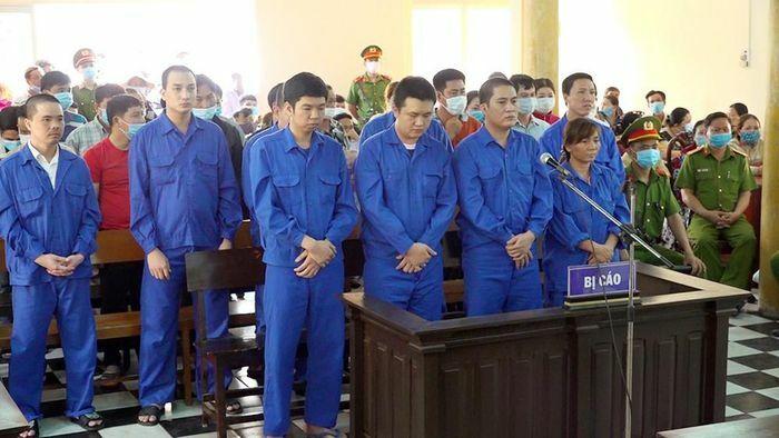 Tổ chức lắc tài xỉu, 36 bị cáo chia nhau 71 năm tù