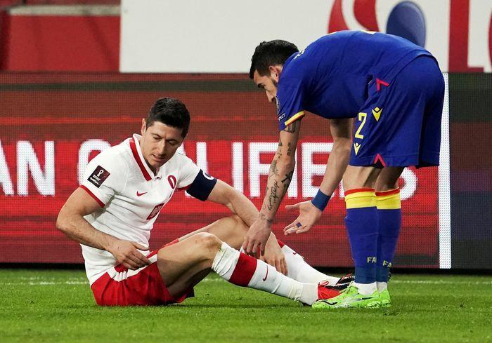 Bayern mất Lewandowski ở tứ kết Champions League