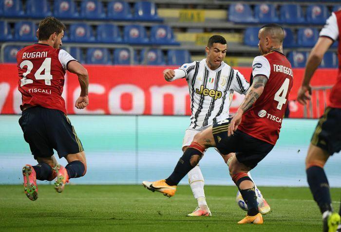 Ronaldo thiết lập cột mốc mới tại Serie A