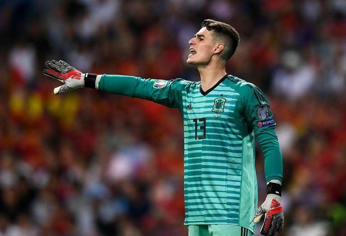 Tuyển Tây Ban Nha loại thủ môn đắt nhất thế giới