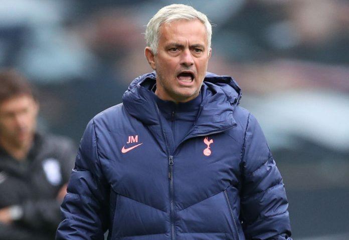 Rõ lý do Mourinho hậm hực gọi Bale ra ngoài
