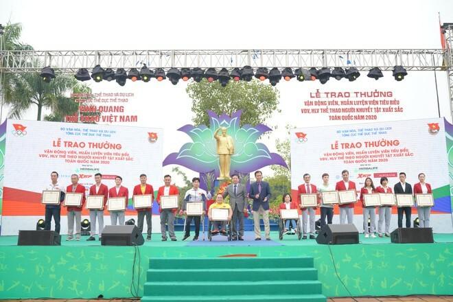 Vinh danh VĐV, HLV tiêu biểu 2020 và tổ chức Ngày chạy Olympic vì sức khỏe toàn dân