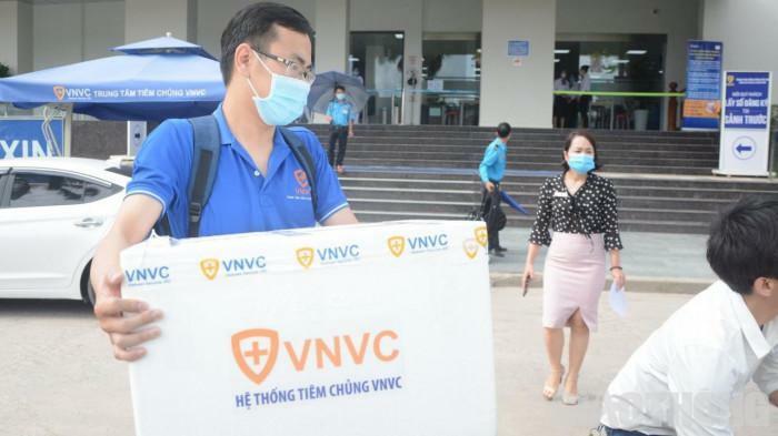 Ngày mai tiêm vắc xin Covid-19 cho bác sĩ tuyến đầu chống dịch tại Đà Nẵng