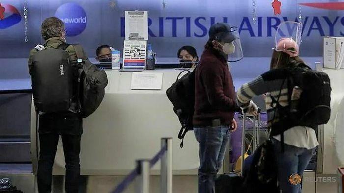 Hãng bay Anh kêu gọi cho người tiêm vaccine được tự do đi du lịch