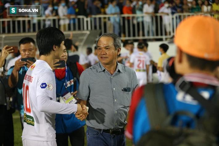 Bầu Đức so sánh HAGL với CLB Hà Nội, tiết lộ tình trạng của Lee Nguyễn