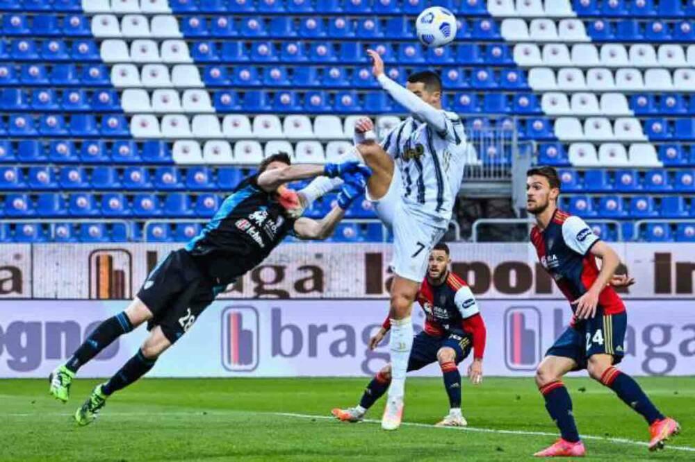 Trọng tài Serie A có ưu ái Ronaldo?