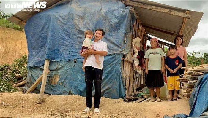 Ông Đoàn Ngọc Hải đến Đắk Lắk nhận quà hỗ trợ tặng cho người nghèo