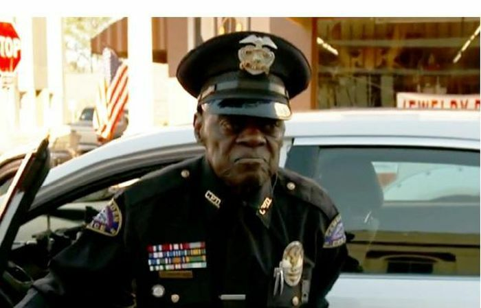 Cảnh sát 91 tuổi vẫn chưa có kế hoạch về hưu