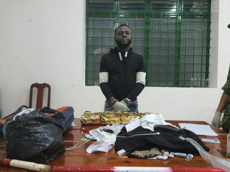 Tử hình một người Nigeria vận chuyển gần 4 kg ma túy vào Việt Nam