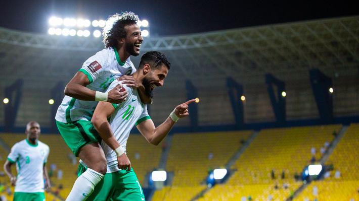 """""""Người bạn"""" Trung Đông thua thảm tại vòng loại World Cup, thầy Park thêm phần lo âu"""