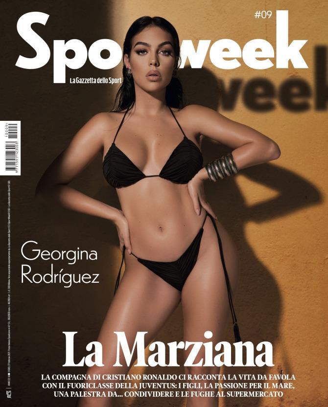 """Bạn gái Ronaldo """"đốt nóng"""" mạng xã hội bằng shoot hình với bikini thu hút cả triệu lượt """"thả tim"""""""