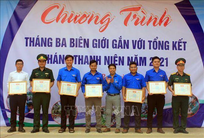 Tuổi trẻ Kon Tum đồng hành cùng người dân vùng biên giới