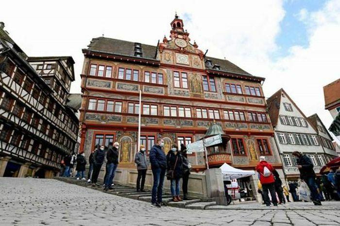 Dịch COVID-19: Nhiều thành phố của Đức chuẩn bị mở cửa trở lại