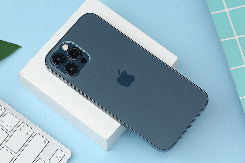 Bạn gái cũ không trả iPhone 12 Pro Max có phải là thiếu tự trọng?