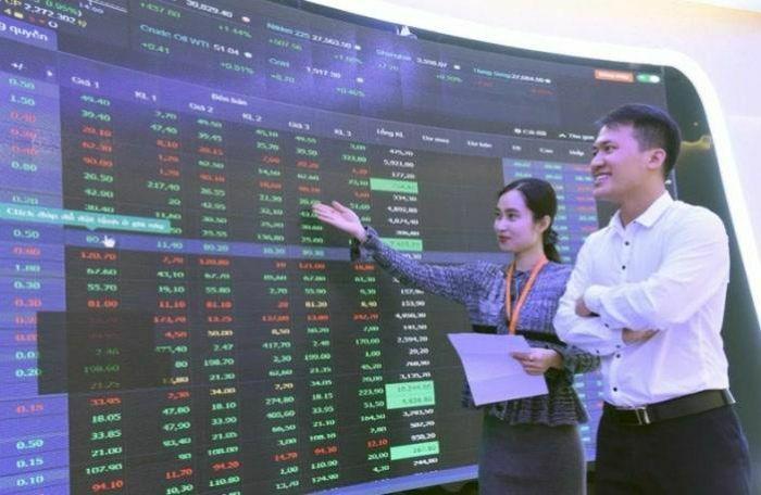 VIC, MSN cùng loạt cổ phiếu ngân hàng kéo VN-Index tăng hơn 10 điểm