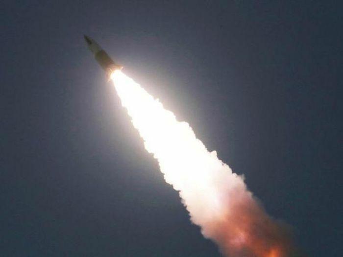 Triều Tiên thử 2 tên lửa mới, ông Biden dọa đáp trả đích đáng